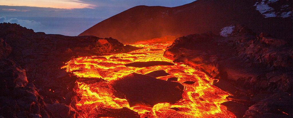 Жизнь на Земле может оказаться на миллиарды лет древнее, чем предполагал...