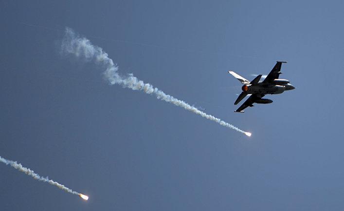 В воздушном бою между Индией и Пакистаном участвовали 32 самолета