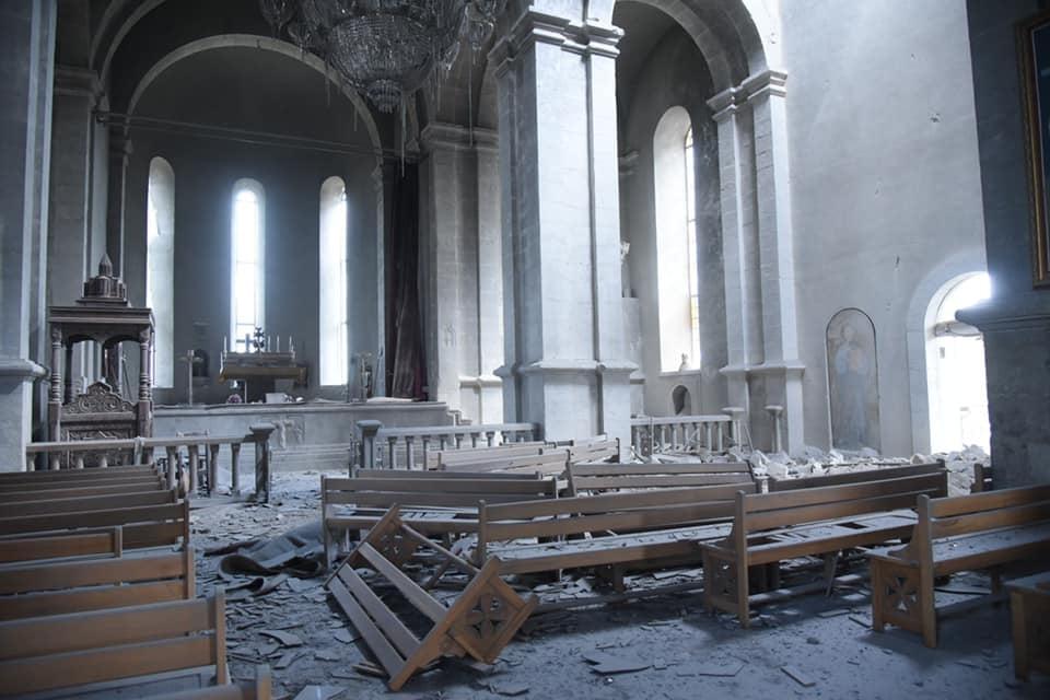 В Нагорном Карабахе дважды за день обстреляли собор Казанчецоц