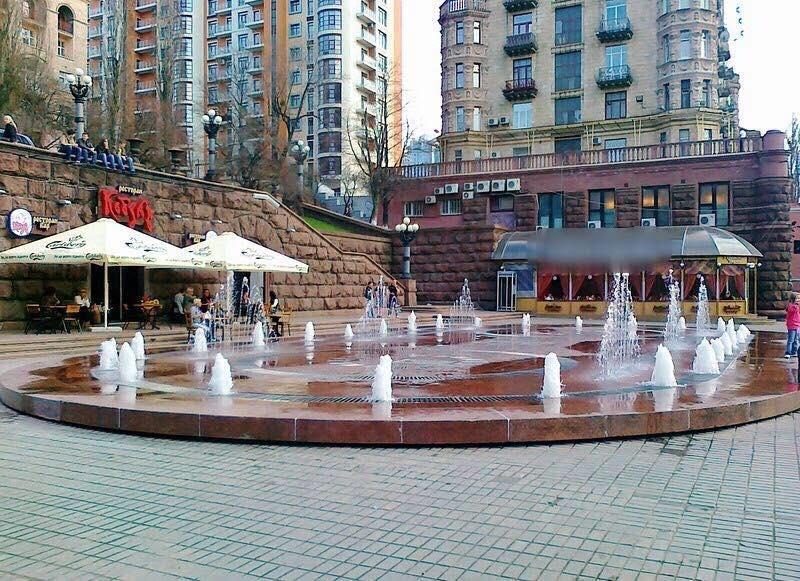 Киеву вернули в собственность техпомещения фонтана на Крещатике