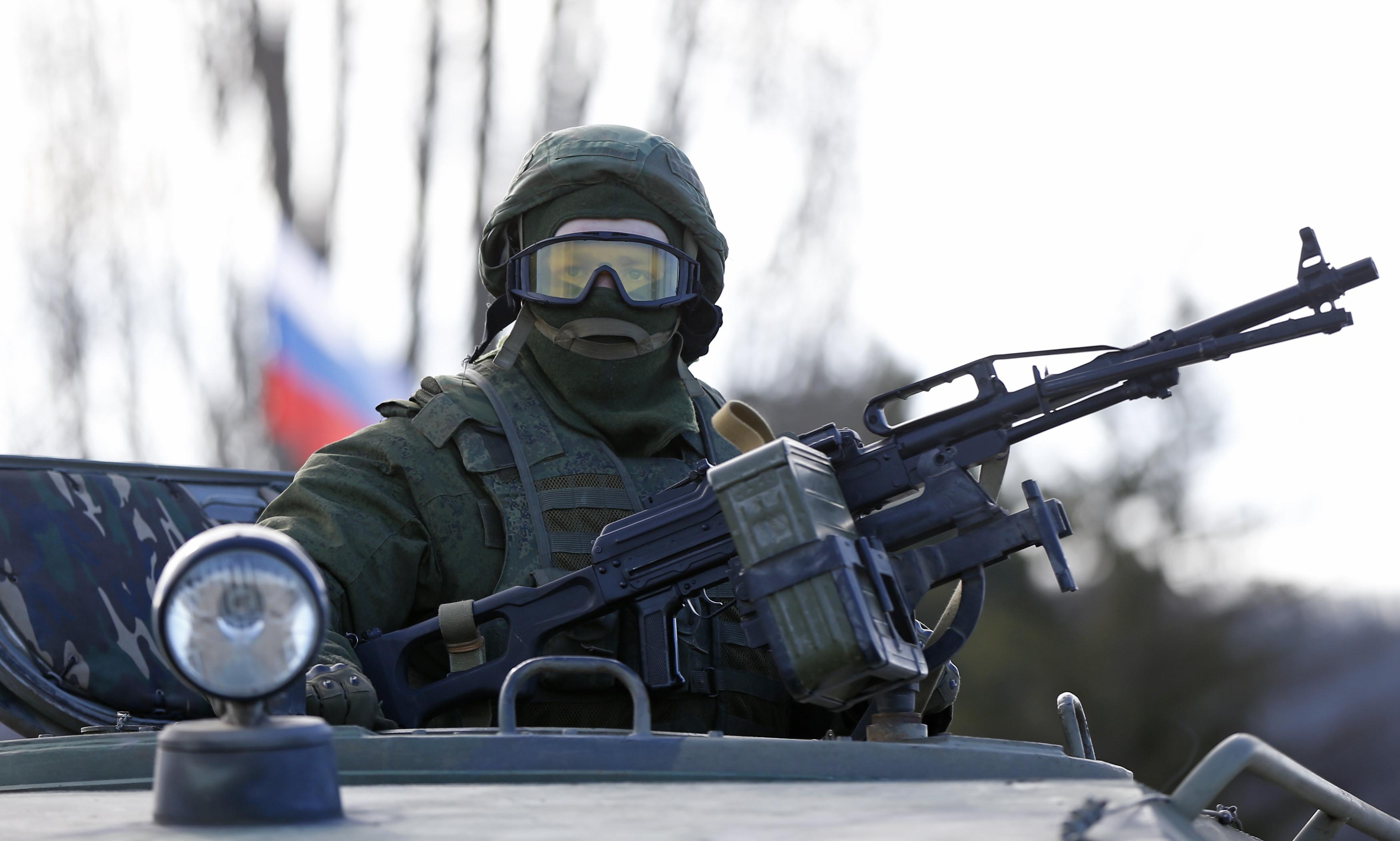 Россия подтянула к украинской границе почти 42 тысячи военных, - разведк...
