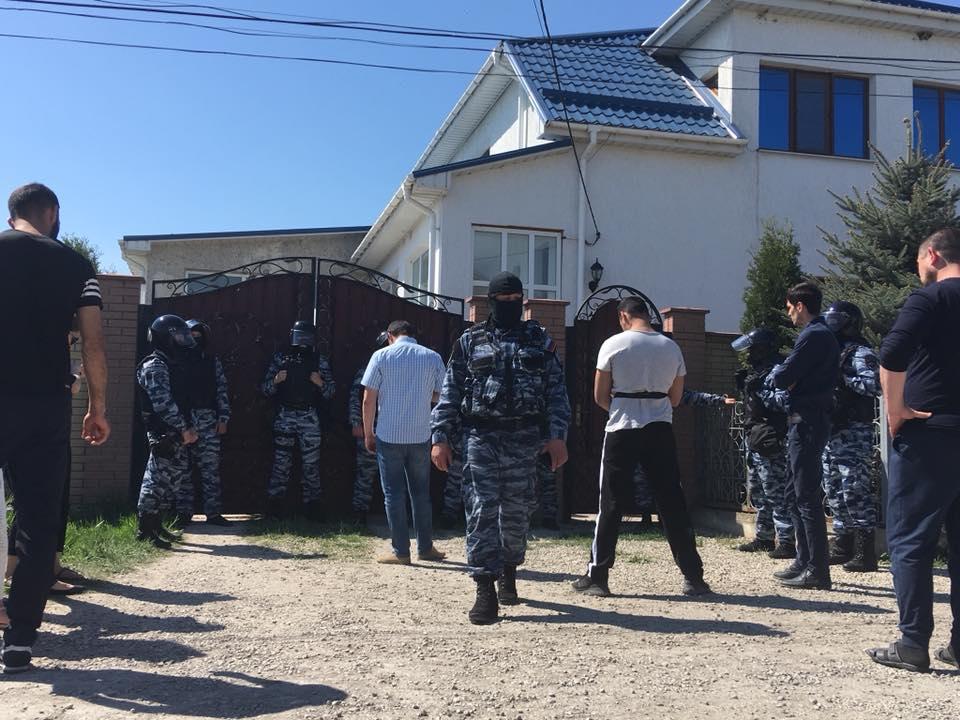 Оккупанты проводят тотальные обыски у крымских татар, - Чубаров