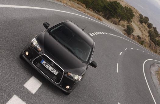Mitsubishi отзывает Lancer из-за проблем с подушками безопасности