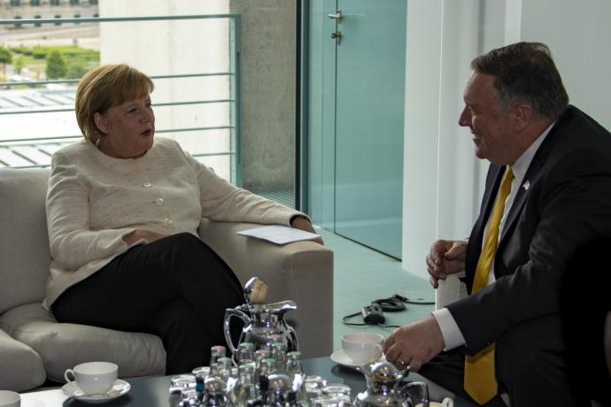 Помпео и Меркель обсудили поддержку Украины и противодействие российской...