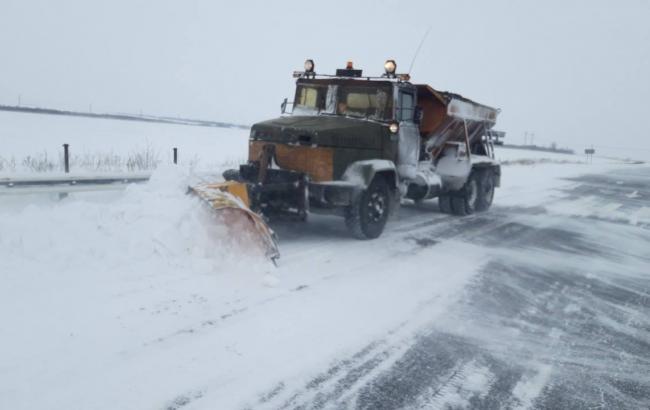 В Запорожской области ограничили движение из-за сильных снегопадов
