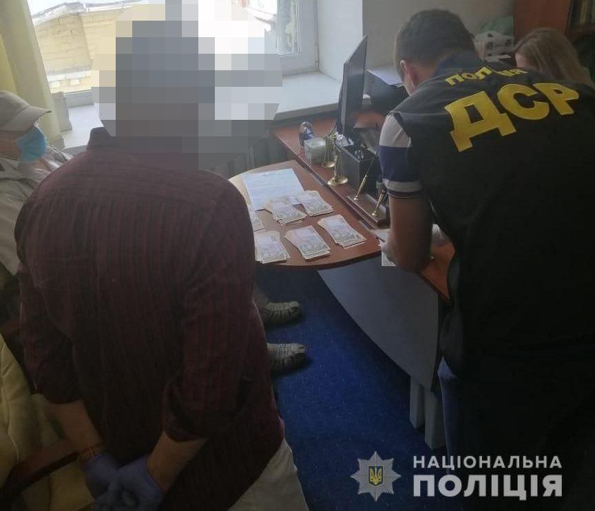 Проректора университета в Киеве поймали на взятке в 224 тысяч гривен