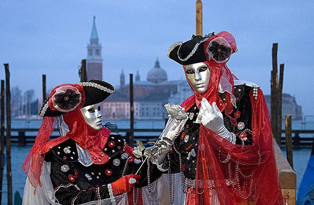 Мэр Венеции собирается потребовать у ЮНЕСКО включить город в черный спис...