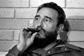 К юбилею Фиделя Кастро на Кубе свернули 90-метровую сигару