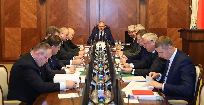 """Правительство Беларуси пошло на """"уступки"""": на места отдадут больше полно..."""