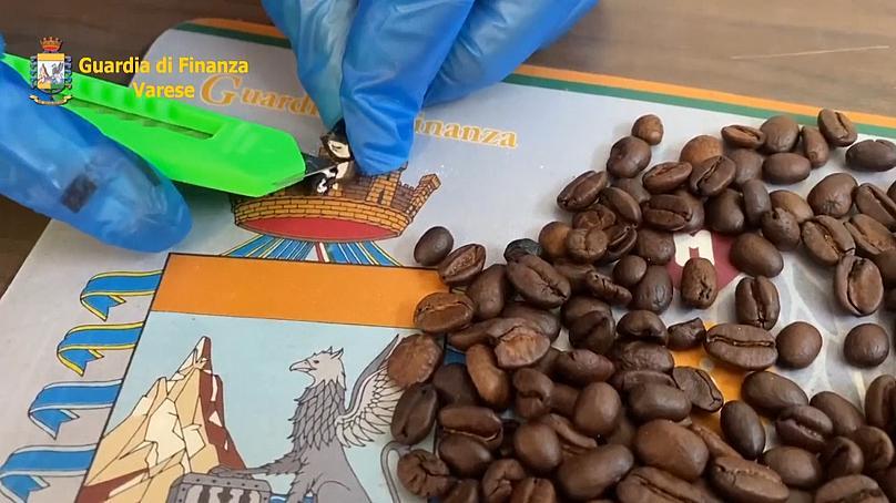 Кокаиновые «зерна». ВИталии задержали необычную партию наркотиков ввиде  кофе