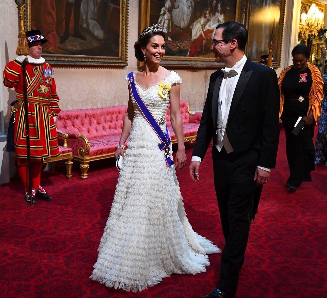 Кейт Миддлтон, Букингемский дворец, принц Уильям, модные образы Кейт Миддлтон, фото