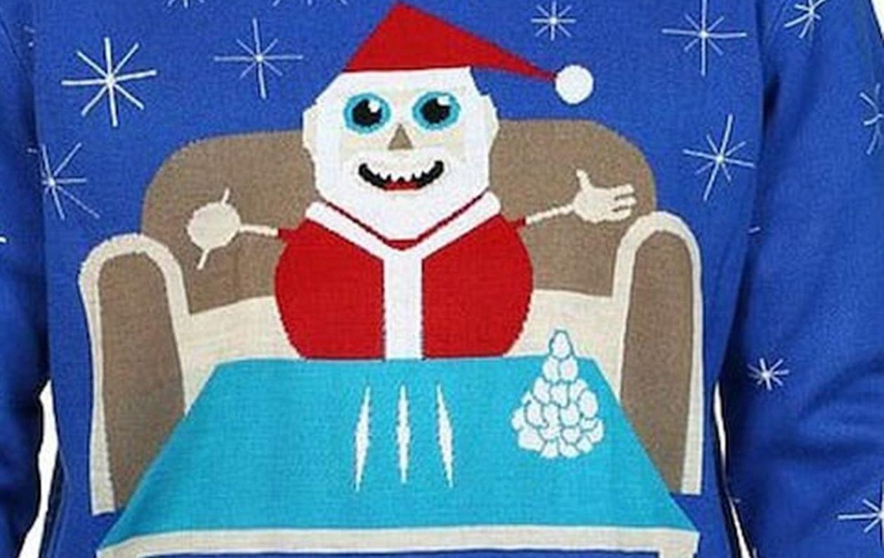 В Канаде сняли с продажи свитер с нюхающим кокаин Сантой Клаусом