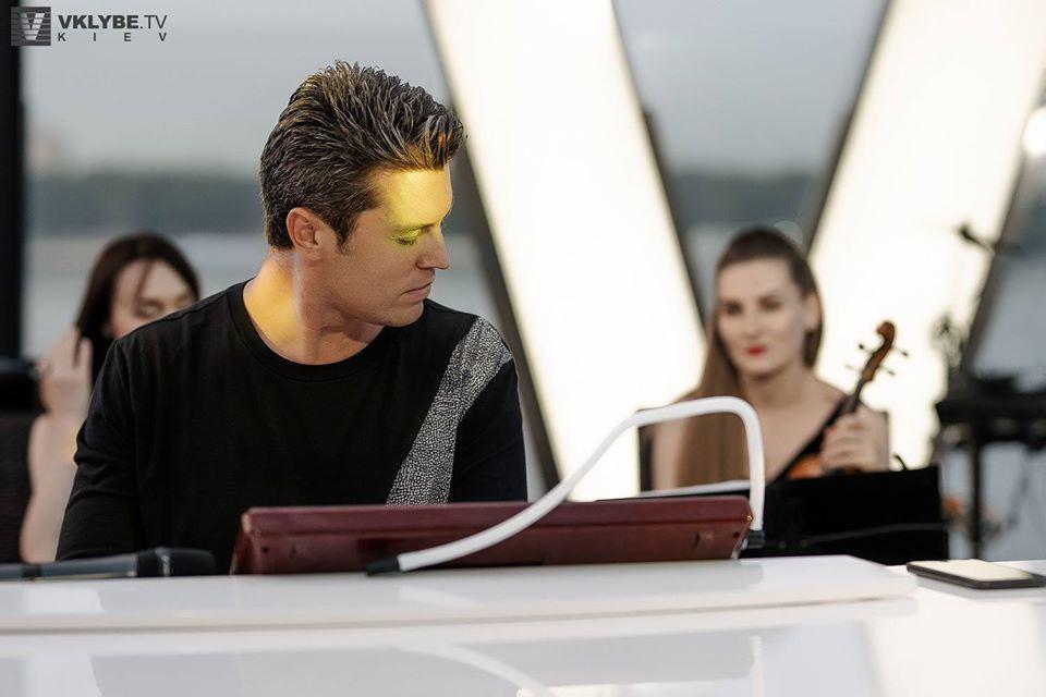 Евгений Хмара и Дарья Ковтун дадут концерт на террасе ресторана Veranda...