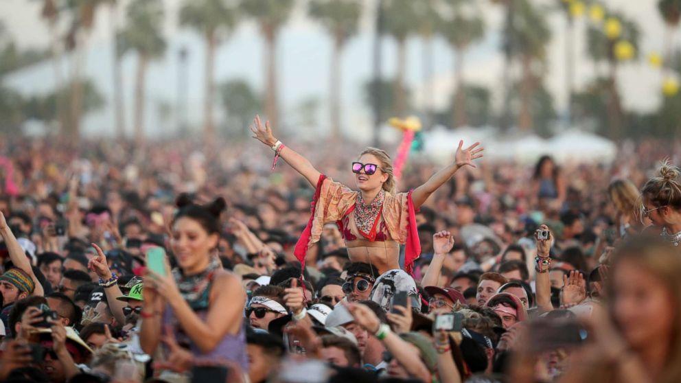 Отложили на полгода: музыкальный фестиваль Coachella пройдет с опоздание...