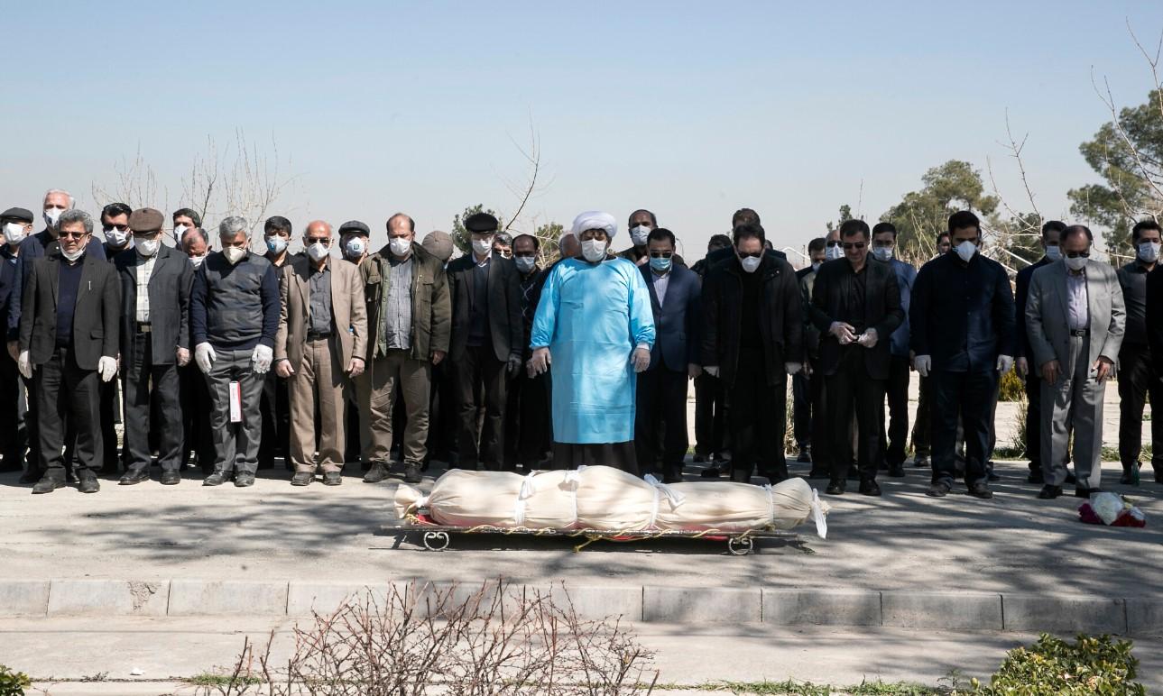 В Иране массово пьют метанол, чтобы защититься от коронавируса. Около 30...