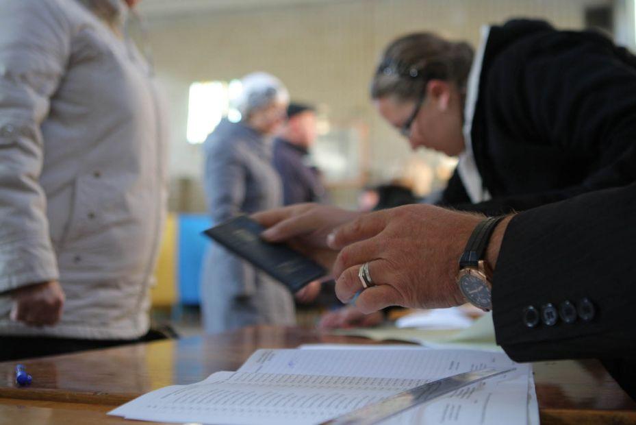 Из-за высокой явки на выборах на избирательных участках образовались огр...