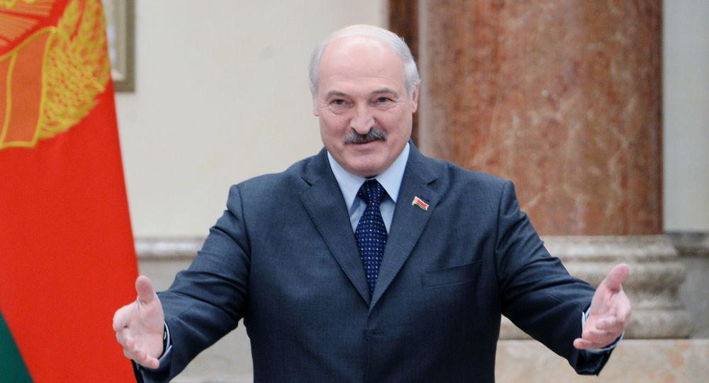 Лукашенко заявил, что готов ввести миротворцев на Донбасс