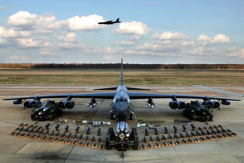Американские B-52 будут регулярно летать над Украиной, - командование ВВ...