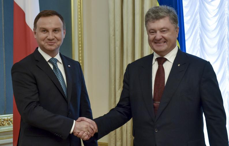 Президенты Украины и Польши призвали мир усилить давление на Россию