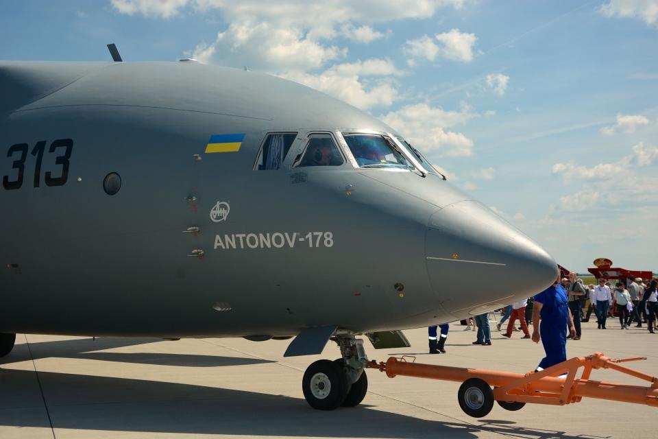 Сеть покорило панорамное видео демонстрационного полета Ан-178