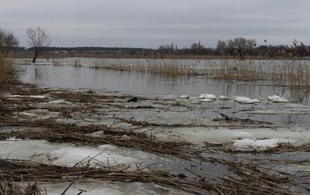 В Луганской области вода стала выходить из рек