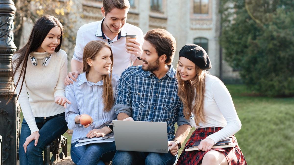 Як обрати ноутбук для навчання: короткий довідник
