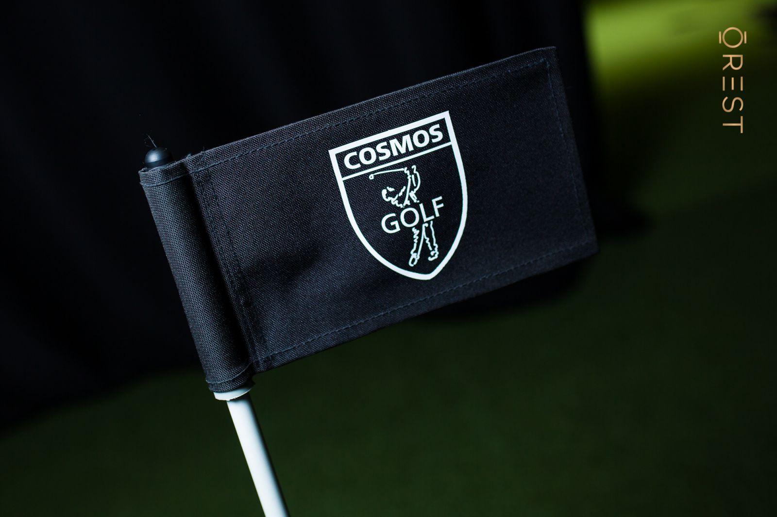 Как у Трампа и Джордана. В Киеве открылся гольф клуб COSMOS GOLF с симул...