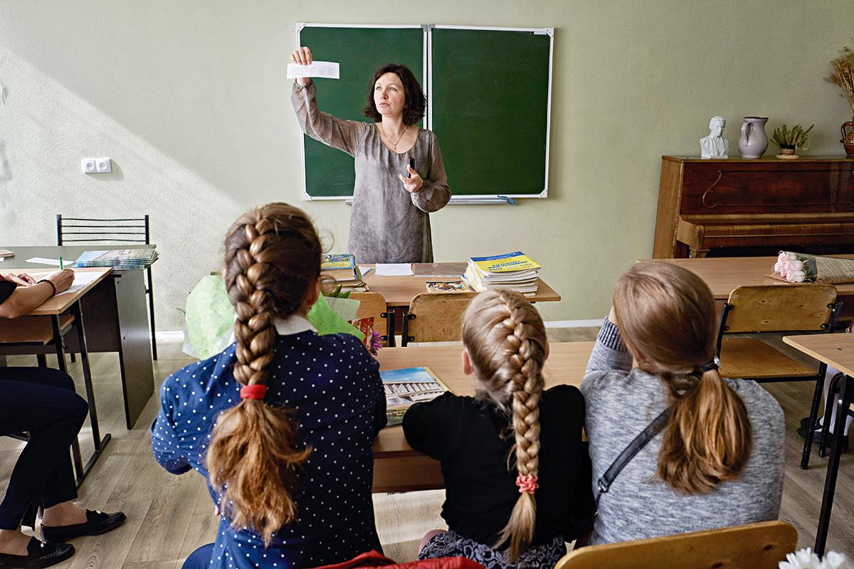 Не по форме. Почему в Украине не нужна единая одежда для школы
