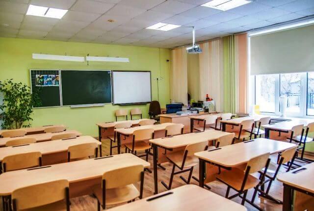 В столице обучение с 1 сентября начнется в понятном для общества формате...