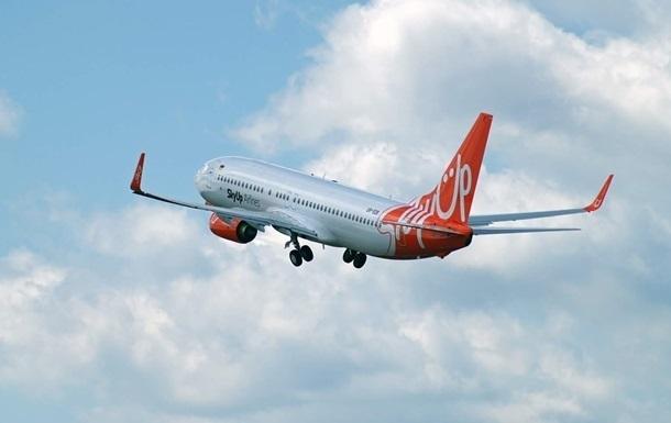 Самолет SkyUp вылетел за украинцами в Китай
