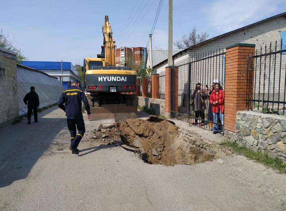 УПЦ МП обвинила мэра Днепра в шантаже из-за вырытой возле храма траншеи