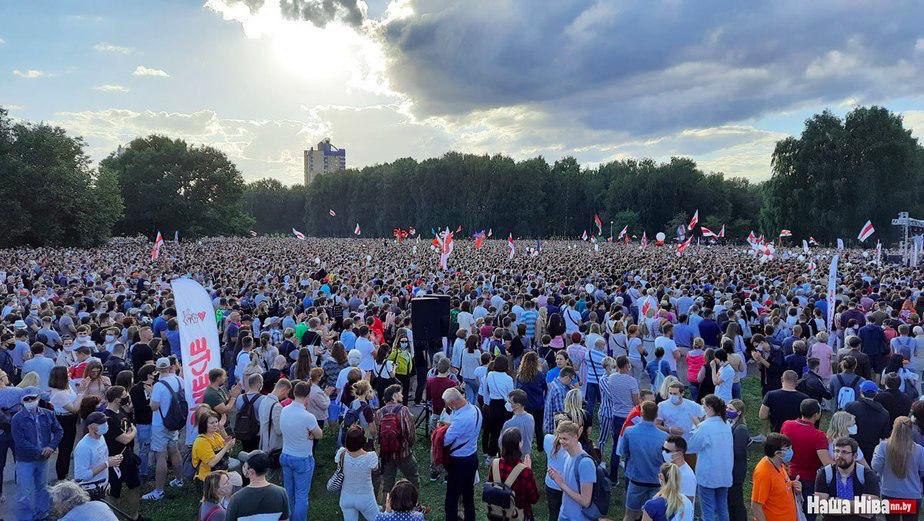 """На митинг оппозиции в Минске собралось  63 тыс. человек, – центр """"Весна"""""""