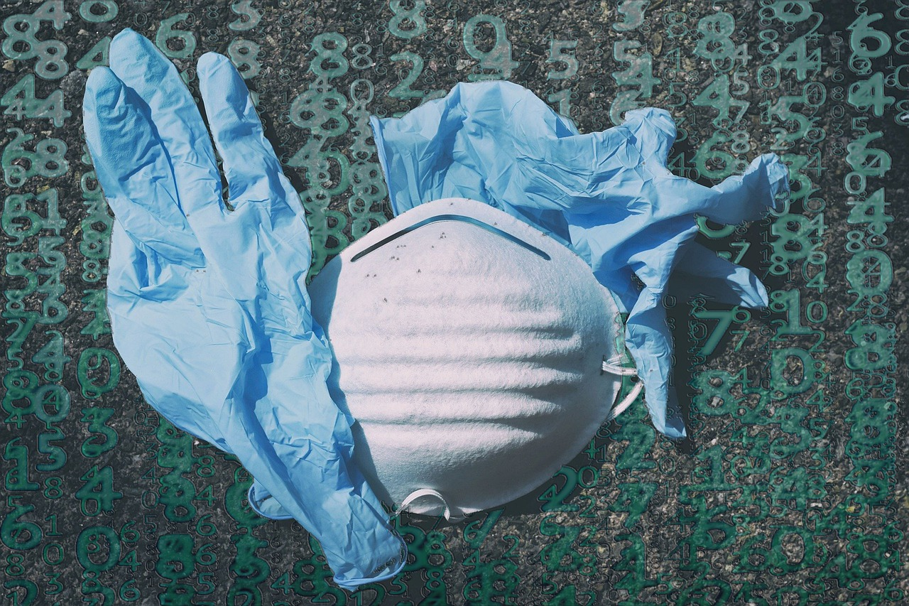 Виноваты маски и перчатки. В ООН говорят, что коронавирус вызвал мусорно...