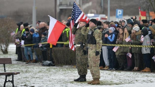 Польша надеется на увеличение американского военного контингента в стран...