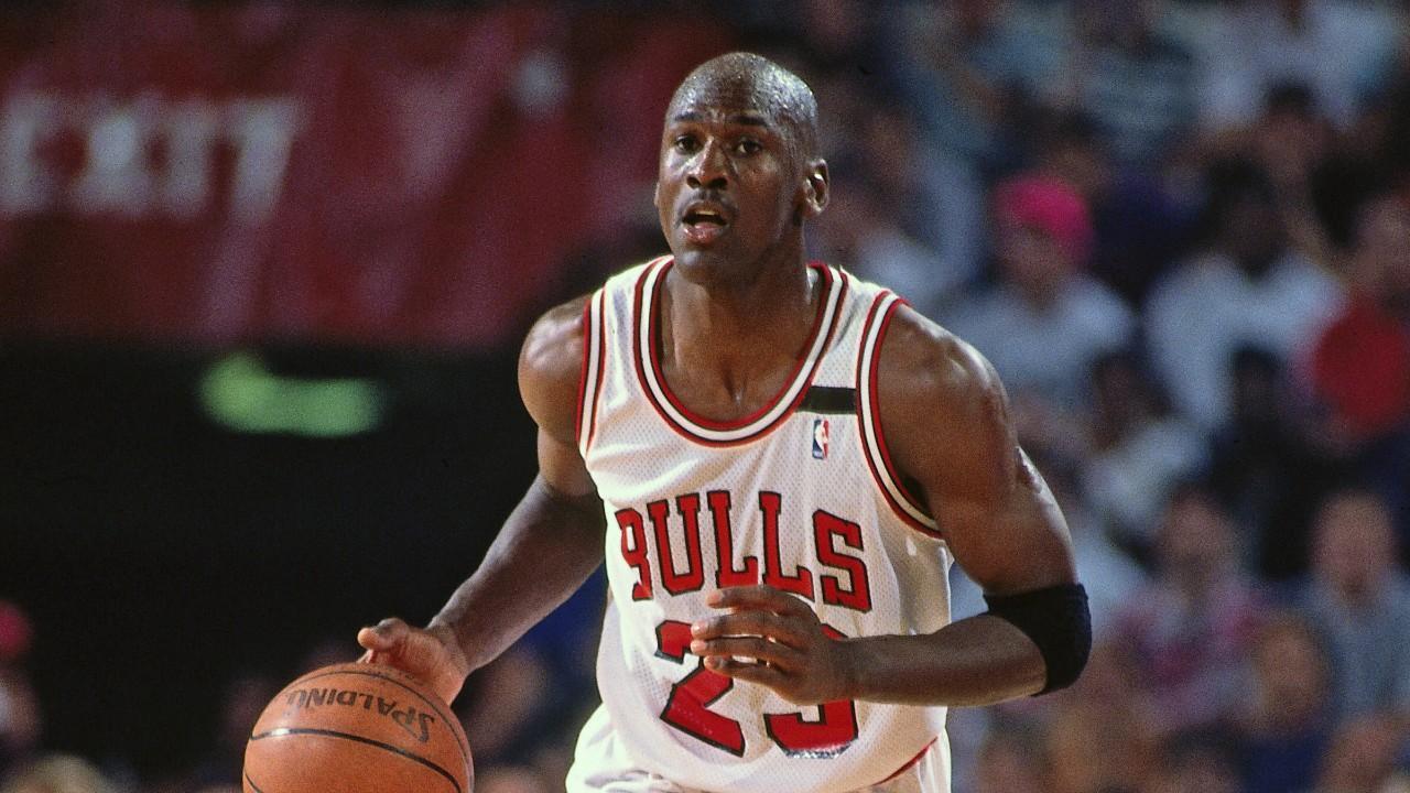 Кроссовки баскетболиста Майкла Джордана продали на Sotheby's за рекордные $560 тысяч