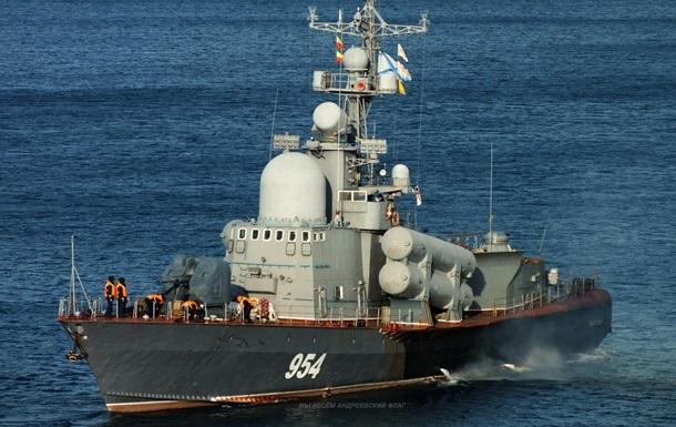 Корабли РФ в Черном море провели стрельбы