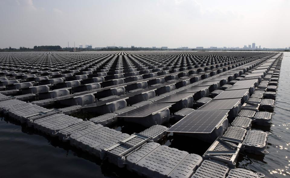 Нидерланды построят первую солнечную ферму в открытом море