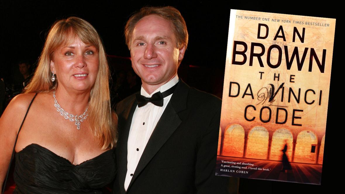 """Бывшая жена писателя Дэна Брауна подает на него в суд за """"двойную жизнь""""..."""