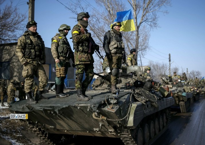 Сутки на Донбассе. Боевики били из зенитки, один боец ранен