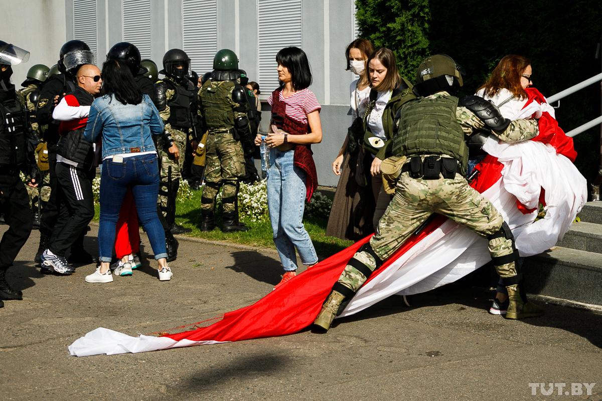 Консервация протеста. Что происходит в Беларуси накануне встречи Лукашен...