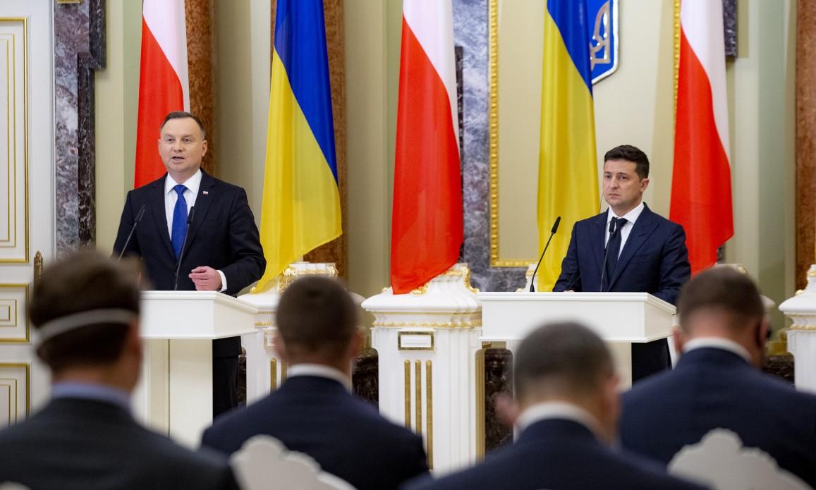 Памятники, экономика, школы для нацменьшинств и НАТО: общее заявление Зе...