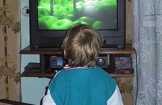 Во время эпидемии школьников города Шостка будут обучать по телевизору