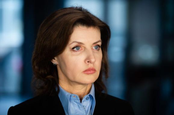 Досрочно подала в отставку: Марина Порошенко уходит с поста главы Украин...