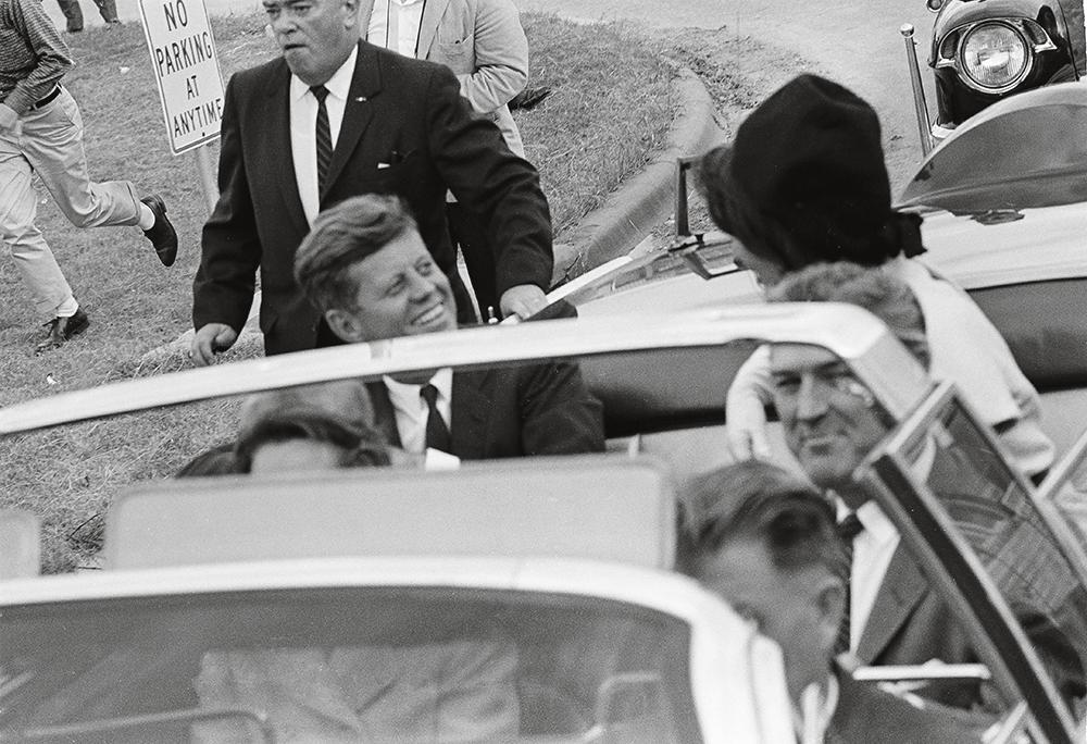 Девочка в синем. Свидетельница убийства Кеннеди — о выстрелах в Далласе...