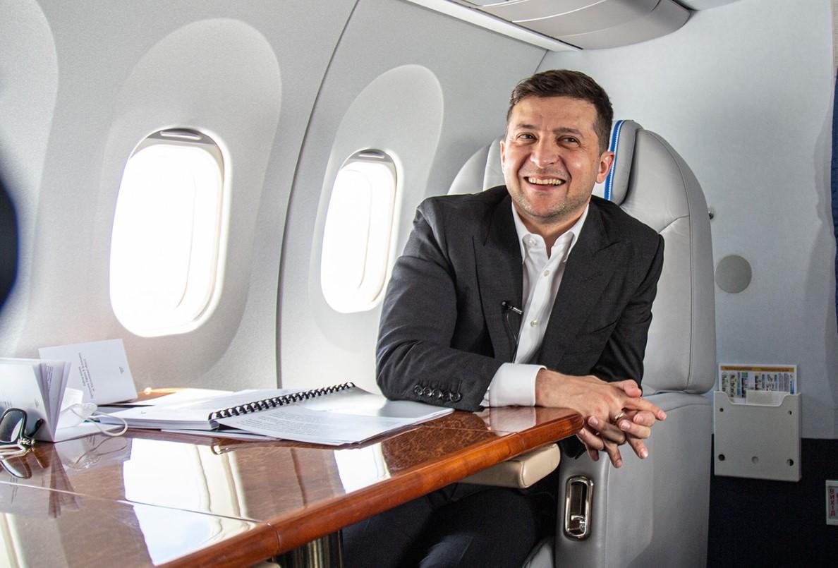 Зеленский рассказал, что предлагал иностранным лидерам общаться по Whats...