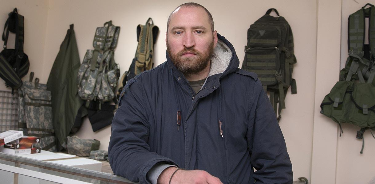 Добро с кулаками. Как волонтёр Мирослав Гай помогает себе, спасая Украин...