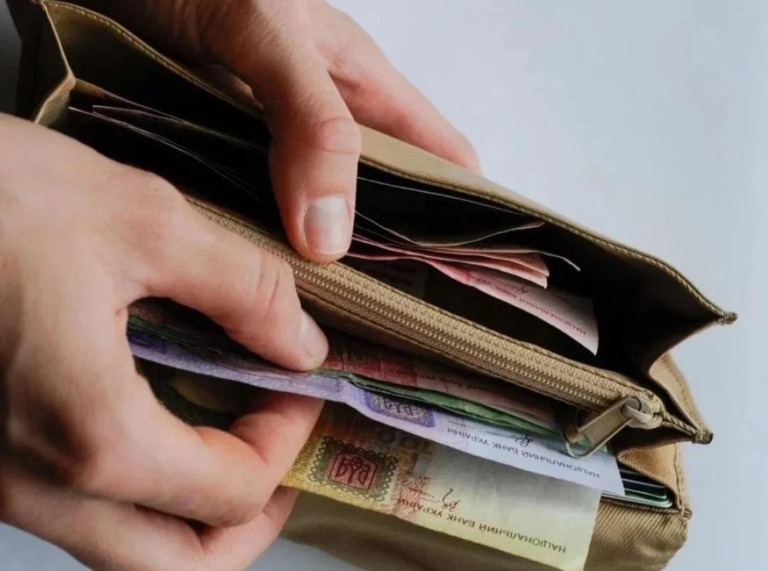 Минимальную зарплату со второй половины 2020 года нужно повышать, – Минс...