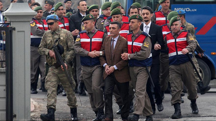 Семь генералов получили по 114 пожизненных сроков в Турции