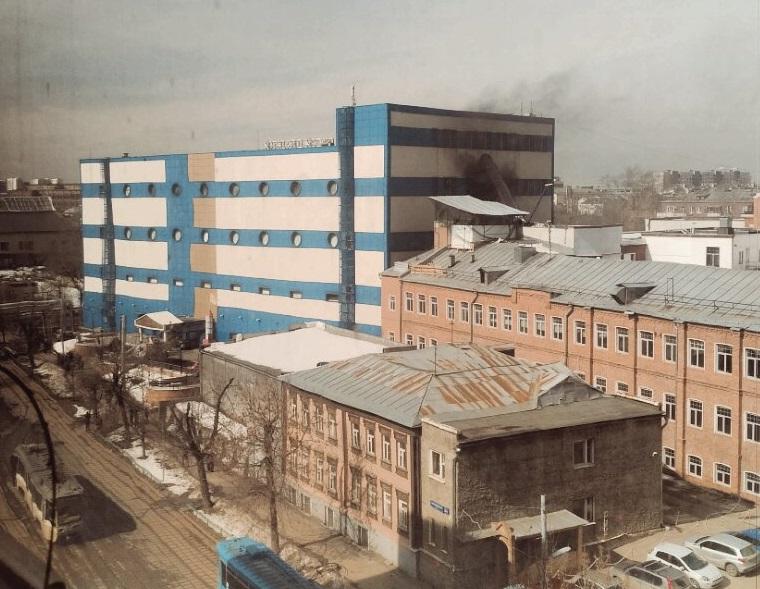 В Москве горит детский торговый центр