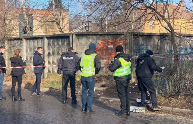 Стрельба в Мукачево: городские власти просят Зеленского ввести в город Н...